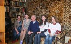 15 марта активисты подростково-молодежного клуба посетили участника ВОВ Перепеченых Ивана Васильевича