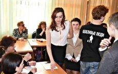 Гусевская библиотека провела муниципальный этап конкурса чтецов «Читай, чтобы помнить!»