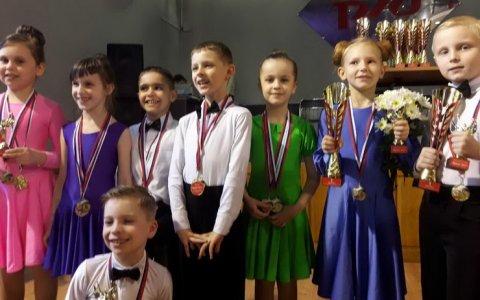 Гусевские ребята успешно выступили на Чемпионате области по спортивно-бальным танцам