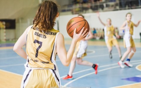 «Баскетбол на отлично»: в региональном этапе всероссийской лиги победили школьники Гусева и Калининграда