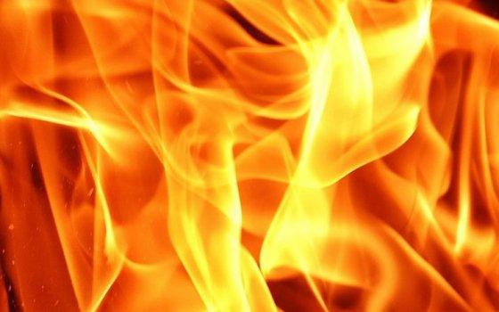 На улице Красноармейской произошёл пожар в заброшенном строении